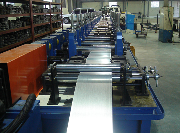 Heavy gauge roll forming machine